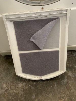 Trockner reinigen: Auch Trockner und Flusensieb benötigen regelmäßige Wartung und Pflege.